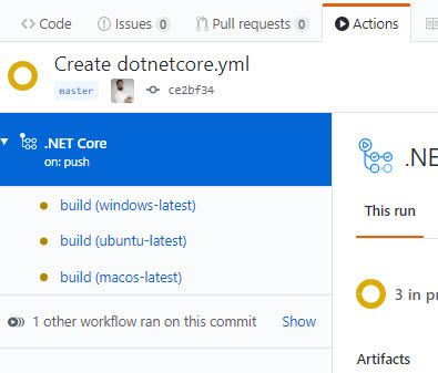 La imagen muestra una vista de la interfaz de Github para un workflow de Github Actions para .Net Core donde se ejecutan 3 trabajos, uno en cada plataforma